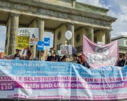 Tausende gegen § 218 auf Berlins Straßen