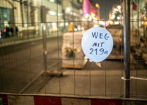 Keine Kompromisse! #wegmit219a – Kundgebung in Berlin mit Acts, Arts and Action! (26.1.2019)