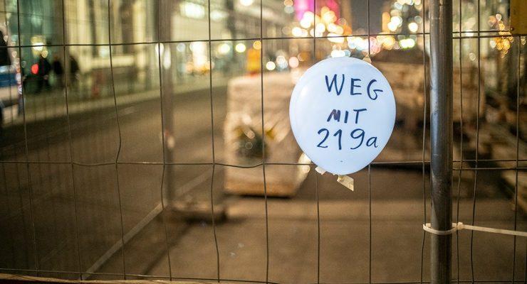 Kundgebung in Berlin: Solidarität mit den angezeigten Ärzt*innen! (14.6.19)
