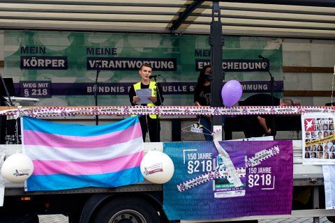 Eröffnungsrede Johanna Warth vom Bündnis für sexuelle Selbstbestimmung